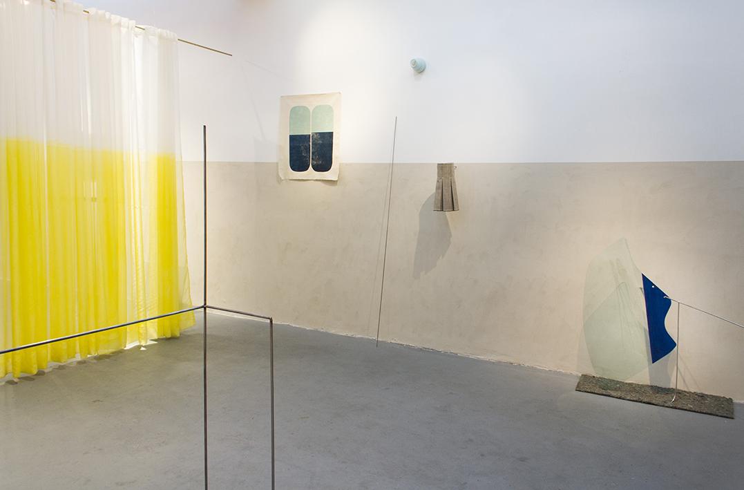 """The sun read by radio"" Solo exhibition, Big Sur Gallery, Bueno Aires, 2014. (overview)"